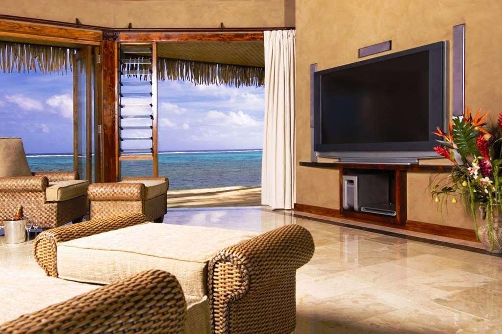 VILLA_ Romance Beachfront Villa 02