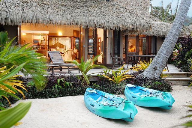 villa exterior at night kayaks v2
